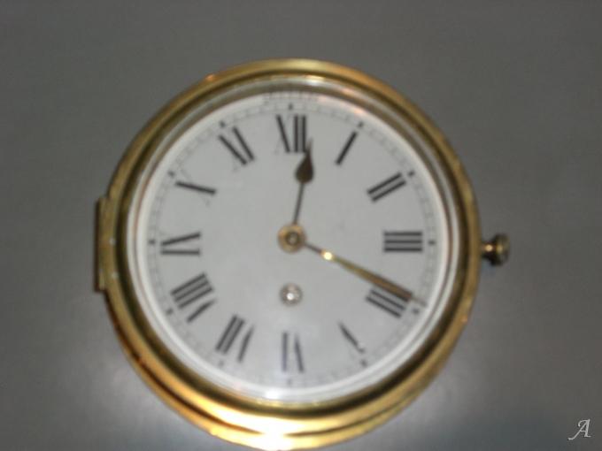 Pendule de marine en cuivre jaune du XIXe siècle - Paris