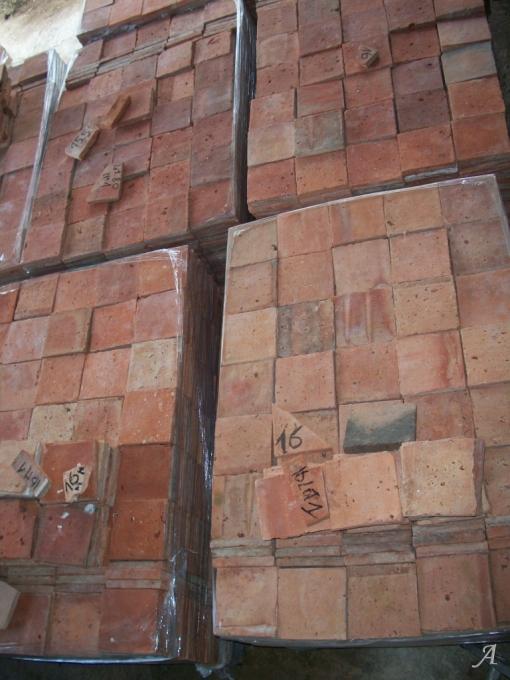Lot de tomettes anciennes lavées triées et calibrées - Le Cellier