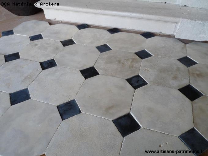 Carreaux de pierre octogonales et cabochons - L'Hôtellerie de Flée